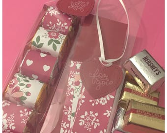 Handmade Valentines Day Hershey Nugget Chocolate Party Favor Kit with Tag DIY For You Be Mine Classroom Gift Exchange Teacher Gifts set of 8