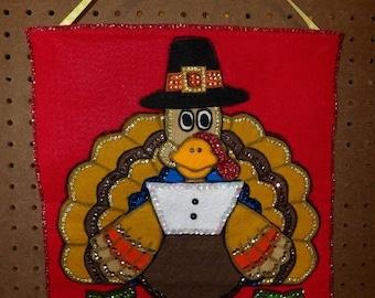 Cute felt appliquid & sequined trimmed Thanksgiving Pilgrim turkey wall hanging - ban4