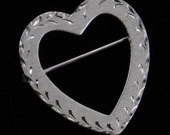"""Vintage 1960's La Mode Sterling Silver Textured Heart Pin Engraved 1"""""""