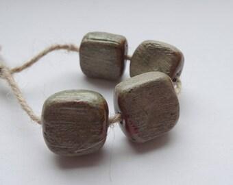 Sonar -- a set of 4 small ceramic art beads