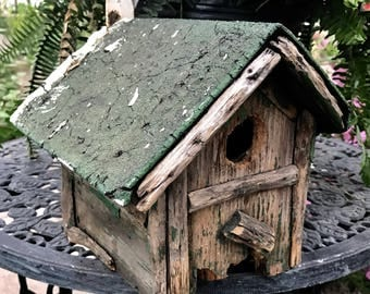 """BIRD HOUSE / Rustic American Folk Art / Collectible""""Homemade"""", Distressed, Weathered,   ChippyJust enough bad to be good !!"""