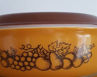 Vintage Pyrex Old Orchard 045 Casserole Dish and Lid 1970's