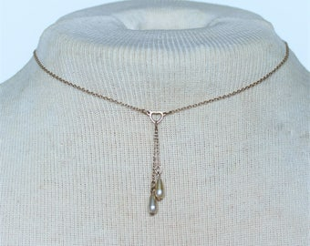 Vintage Faux Pearl Teardrop Gold Tone Delicate Cable Chain Tassel Drop Heart Link SHORT Choker Length Necklace with Pearl WEAR