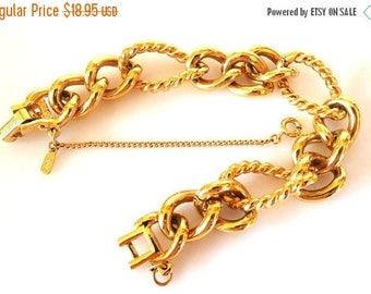 SALE Chunky Gold Chain Bracelet MONET Vintage Modern Statement Stylish Fashion