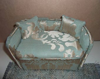 1:6th scale Sofa Barbie Dollhouse Handcrafted Furniture Upholstered Settee Sofa for Barbie Living Room or  Bedroom Scaled for BARBIE BLYTHE