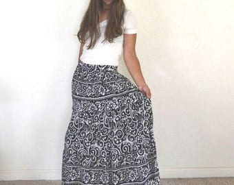 34% Off Sale - Vintage Maxi Skirt Early 90s Black White Ethnic Print Ankle Length Skirt Small Medium
