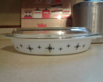 Vintage Pyrex compass divided dish with lid. Black and white. MCM mid century modern.