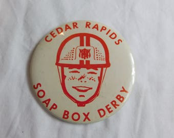 Vintage Cedar Rapids Soap Box Derby Pin Pinback Button dr49