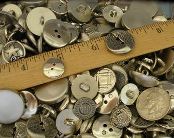 "2 pounds Silver Metallic Plastic Buttons mix 14mm to 25mm (9/16"" - 1"") Some Vintage Altered Art sewing crafts Jewelry Scrapbook sew-on"