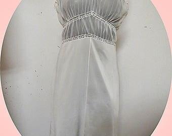 Vintage  Rogers  Nylon White Full Slip   Size 36   #332