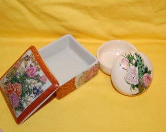 Satsuma Dresser Boxes  trinket vanity  boxes Antique Japanese style highly decorative  Japanese  Porcelain Ceramic Satsuma Trinket Boxes