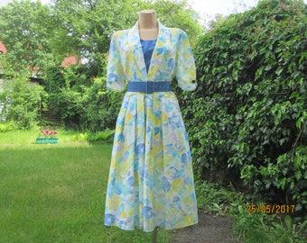 Full Dress / Dress Vintage / Buttoned Top / Floral Dress / Summer Dress / Dress with Pockets / Elastic Waist / Size EUR40 / 42 / UK12 / 14