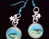 David Bowie Silvertone Cabochon Life on Mars eye Pop Art charm earrings. 20mm cab.