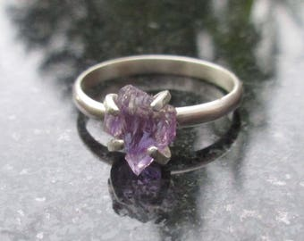 Raw Amethyst Ring, Raw Crystal Ring, Size 5 Ring, Raw Stone Ring, Purple Amethyst Crystal Ring, February Birthstone Silver Amethyst