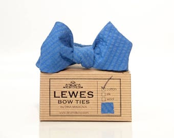 Blue seersucker diamond point men's self tie bow tie, blue diamond point bow tie made from seersucker cotton fabric, summer wedding bow tie