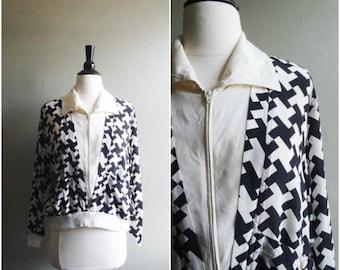 Summer Sale Vintage black and white retro patterned silk jacket / houndstooth lightweight coat / cross pattern jacket