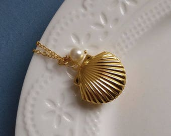 Gold Shell Locket Necklace. Gold Locket. Pearl Locket. Nautical Keepsake. Nautical Locket. Brass Shell Locket. Beach Locket. Pearl Locket