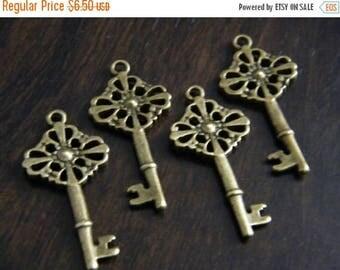 ON SALE Bishop - Skeleton Keys - 10 x Antique Keys Brass Bronze Vintage Skeleton Cross Key Keys, Skeleton Keys For Weddings, Vintage Wedding