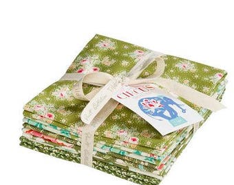 In the USA Tilda Circus Fat Quarter Bundle in Green in the United States