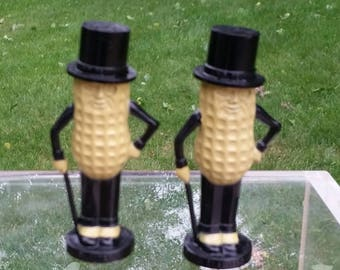 Vintage Mr. Peanut Salt and Pepper Shakers Black and Beige Free Shipping