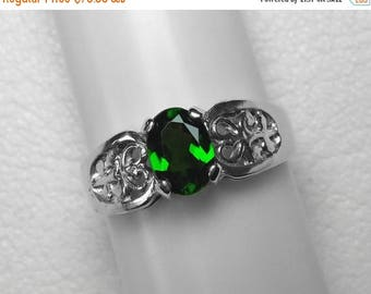 Chrome Diopside Ring in Silver, 7 x 5 mm