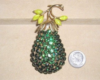 Vintage Coro Pegasus Crystal Green Rhinestone Pear Brooch Late 1950's Signed Jewelry 3042