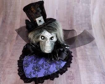 Mansion hatbox Ghost Fascinator