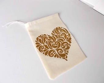 "Gold Heart Favor Bags, Wedding Guest Gift Favors, 4""x6"" Cotton Muslin Pouches, Anniversary Party, Heart Gift Bags"