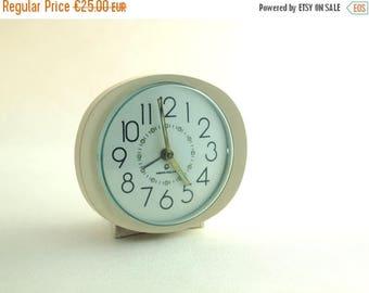 SALE 20% off Vintage creamy alarm clock