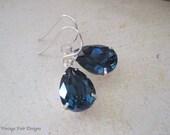 Blue Crystal boucles d'oreilles - créés avec Montana bleu cristaux de Swarovski® boucles d'oreilles bleu marine - quelque chose de bleu boucles d'oreilles - cadeau d'anniversaire