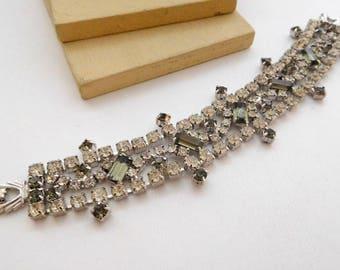Vintage Unsigned Designer Smoke Gray Clear White Rhinestone Glam Bracelet O14