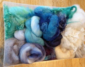Hope Jacare - Mixed wool pack- custom blended top -  130g hand dyed top and fleece  - MWP01
