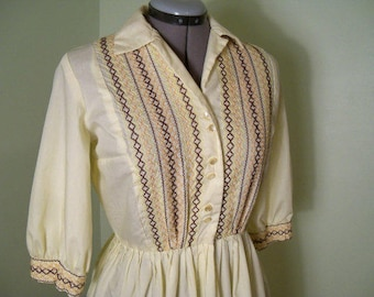 Vintage 1950s embroidered folk dress yellow shirt dress rockabilly dress day dress/fit and flare/size small to medium