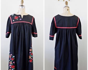 Frida Kahlo Black Mexican Folklorico FIESTA Dress Embroidered FLORAL Puebla Peasant Large