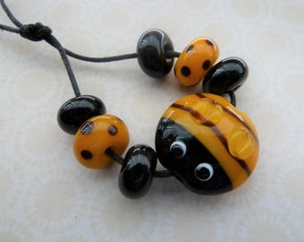 handmade lampwork glass bee bead set, novelty UK