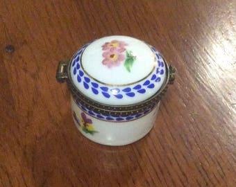 Limoges, Porcelain, French Trinket Box, Signed Porcelain Art, Vintage Collectibles SUMMER SALE