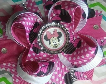 Minnie boutique bow with spikes