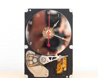 Desk clock - recycled Computer hard drive clock, HDD clock, gift for dad, unique gift for him, graduation gift - c6027