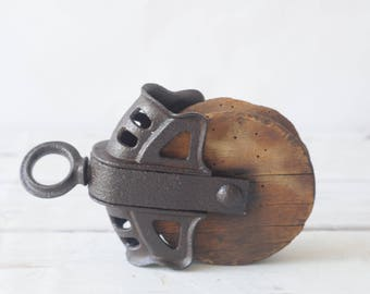 Vintage Pulley Wood Iron Pulley Block Tackle 26A?