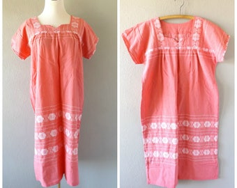 pink mexican cotton dress - vintage 70s embroidered oaxacan sundress midi dress - size m / medium - hippie boho ethnic clothing - 1970s top