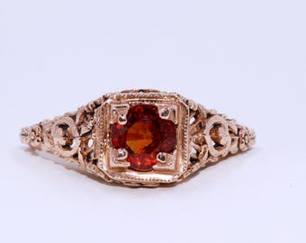 Vintage Red Sapphire and 18 Kt Yellow Gold Ring