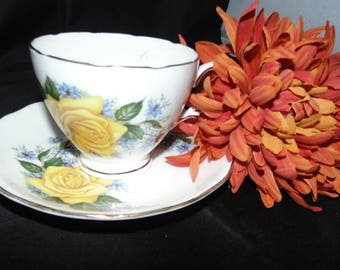 Vintage Bone China Royal Vale England TeaCup and Saucer Ridgway Yellow Roses Flowers Floral Gold Gilt