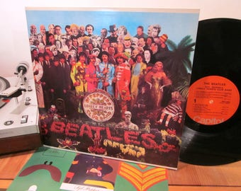 The Beatles - Sgt Peppers Lonely Hearts Club Band - Gatefold w/ Insert - Legendary Album - Must Own