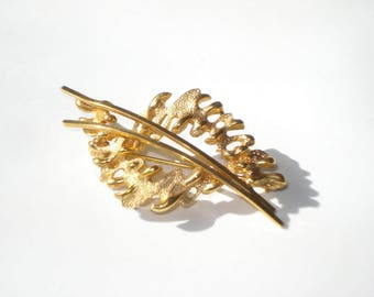 Vintage Gold Tone Brooch Pin - Costume Jewelry Brooch 1970s