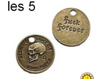 Charm pendant bronze medal skull back text 24mm