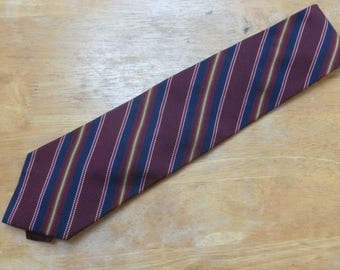 Brooks Brothers Makers Golden Fleece stripes 60 inch silk necktie burgundy