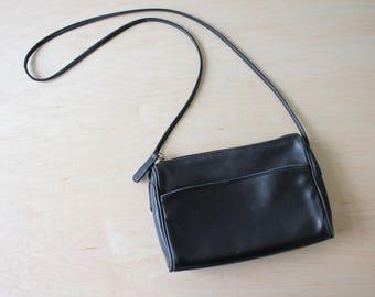 Vintage black leather Coach purse crossbody shoulder bag brass hardware Classic Coach