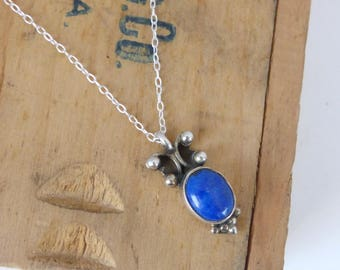 Vintage Sterling Silver Oval Lapis Pendant Necklace
