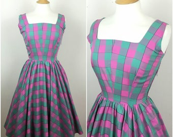 Vintage 1950s Gingham Dress - 50s Pink Green Swing Dress - Fit & Flare - 50s Party dress - Rockabilly Pinup - Full Skirt - Small - UK 8