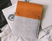 "iPad Pro 10.5 Case with a pencil holder Italian leather, german wool felt, 3 color combination, ""Courier"""
